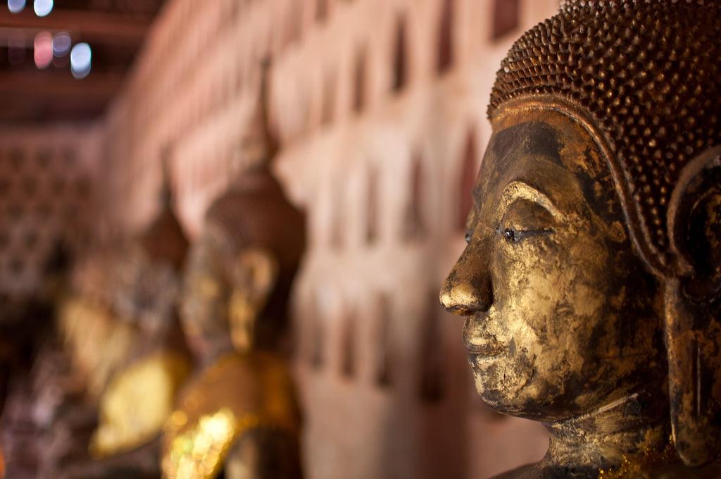 Mooie beelden in Wat Saket - Tempels Bangkok