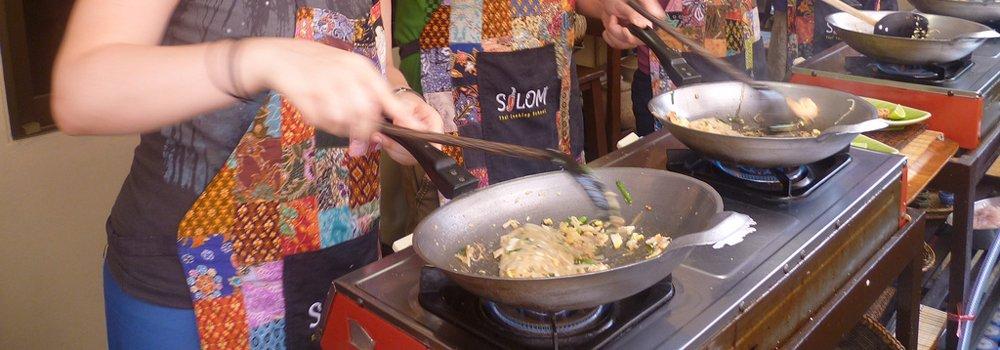 In Thailand kun je op veel plekken kooklessen nemen - Thaise keuken
