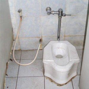 De knijpdouche in Thailand - toilet Thailand