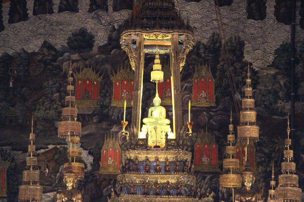 Emerald Buddha - Wat Phra Kaew