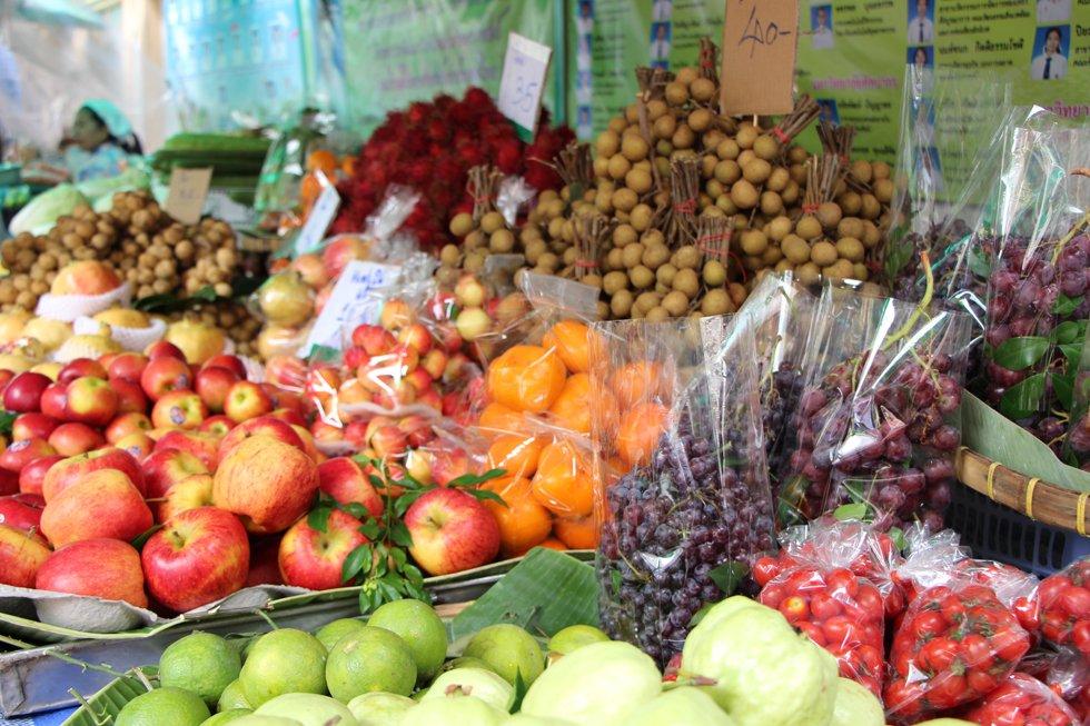 Exotische vruchten te koop in Chinatown, Bangkok