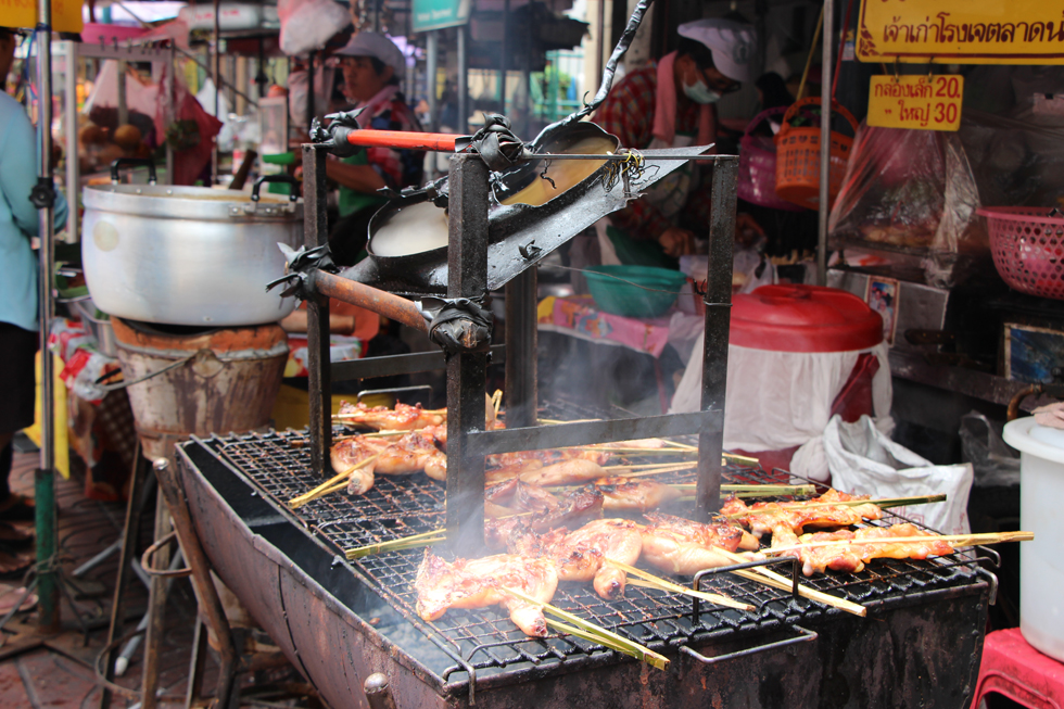 Rokende barbecue in Chinatown, Bangkok