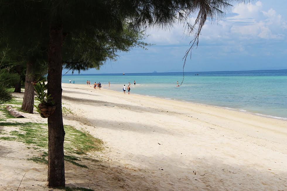 Populair-stukje-strand-Koh-Ngai