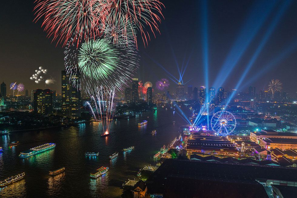 Vuurwerk bij Astique - Oud en nieuw in Bangkok