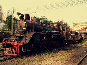 Gratis dingen doen in Bangkok - Oude trein in Thonburi - Foto: calflier001