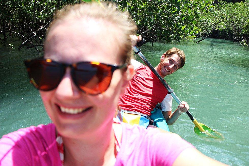 Kayakken Krabi Thalane Bay Mariska en Sander
