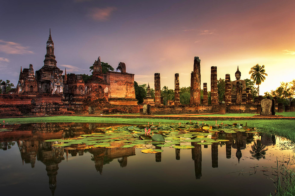 De route door Thailand gaat verder langs Sukhothai