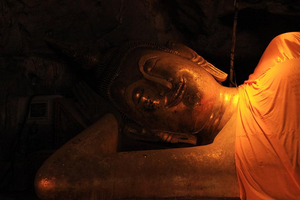 Khao Luang Cave Liggende Boeddha