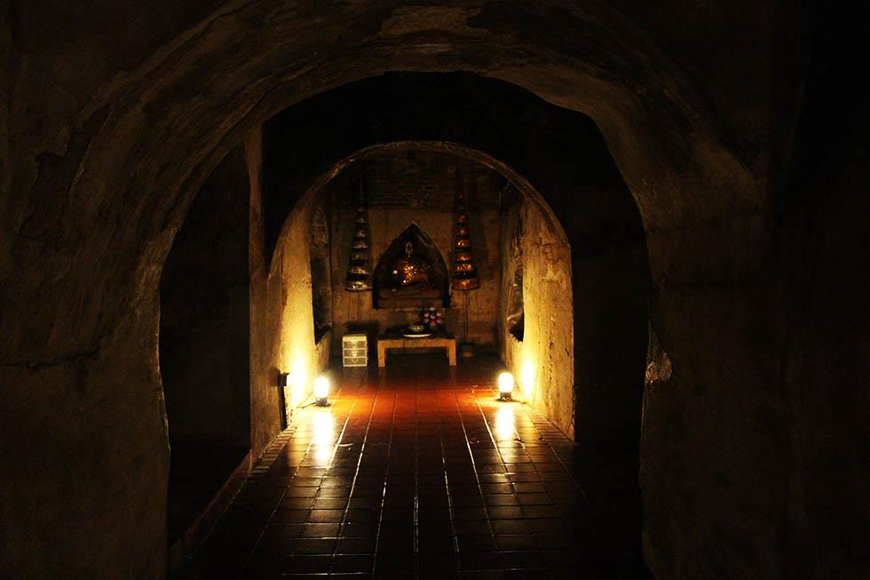 tunnel tempel chiang mai