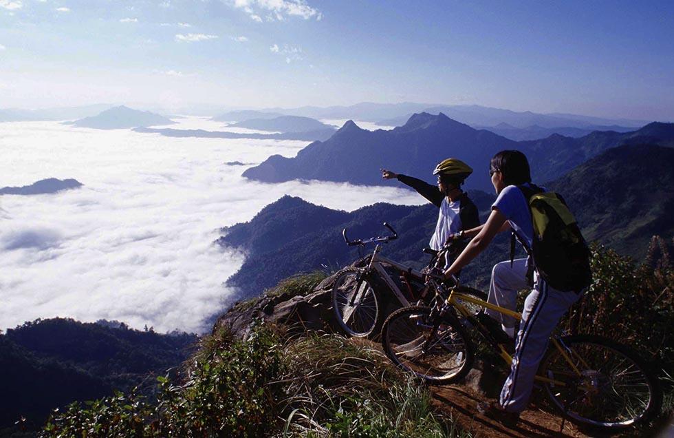 Het uitzicht vanaf de Phu Chi Fa berg in Chiang Rai