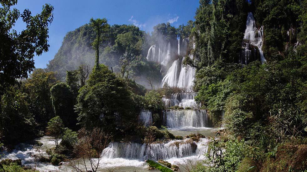 Um Pang Waterval Thailand