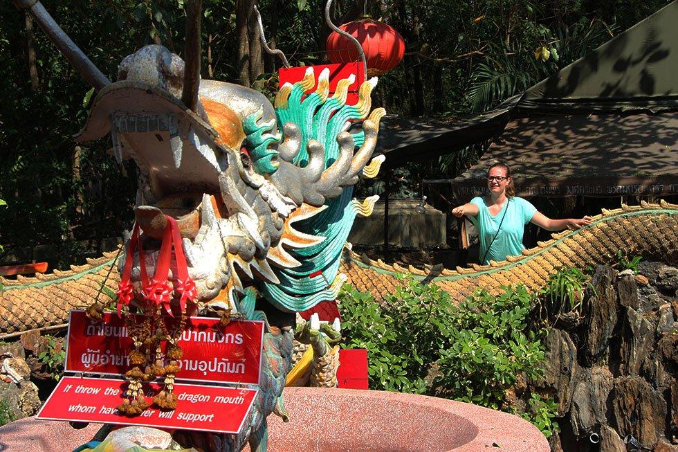 Muntje gooien Mariska Wat Samphran