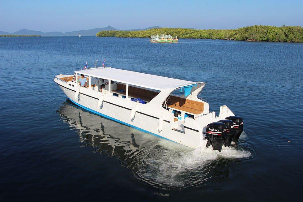 Speedboot naar Koh Surin