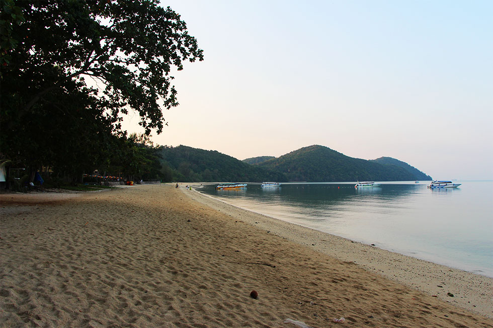Loh Paret Beach