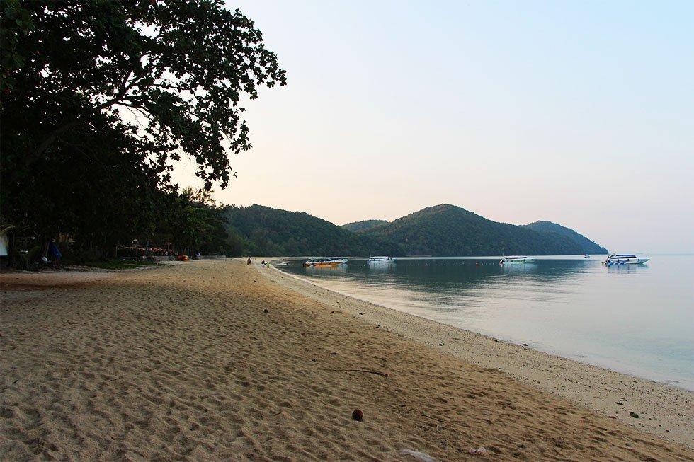 Loh Paret Beach