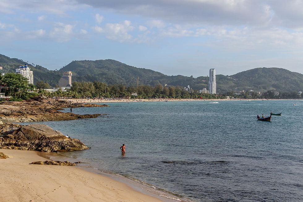 Paton Beach van ver