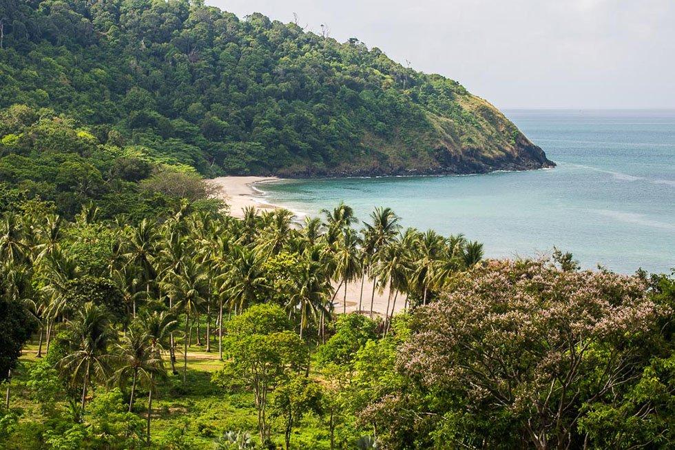 Bamboo Bay Koh Lanta Beach