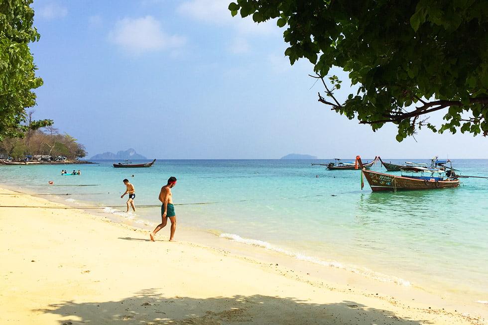 Pak Nam Beach op Koh Phi Phi