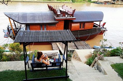 ayothaya-riverside-house