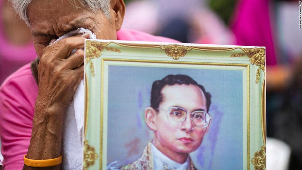 overlijden-koning-thailand5