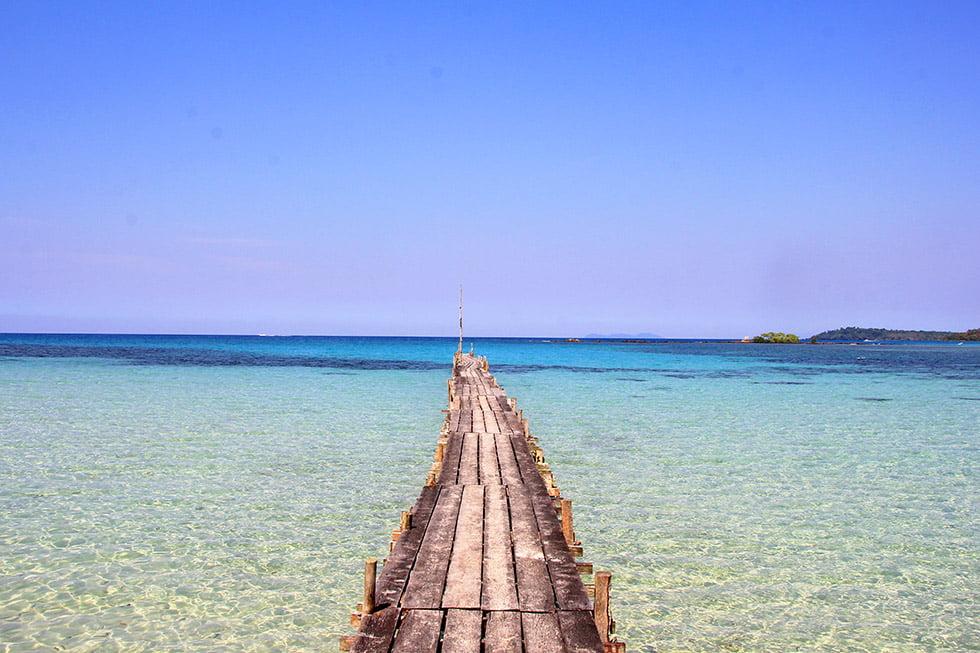 Het water bij Dusita Resort op Koh Kood