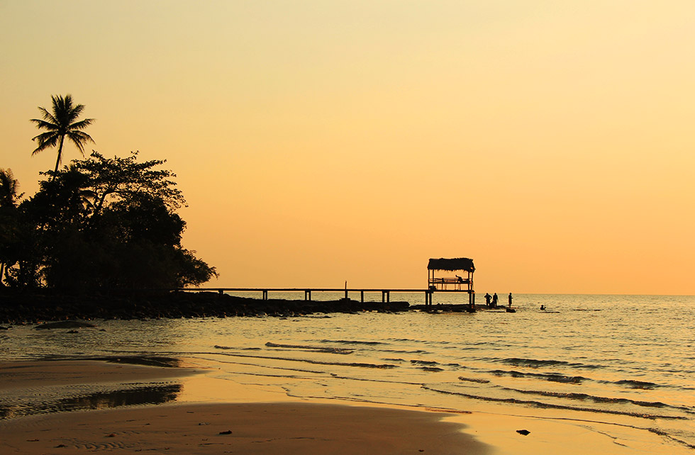 Zonsondergang bij Ao Noi Beach