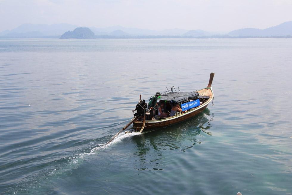 De longtailboot: De manier om op Koh Mook te komen