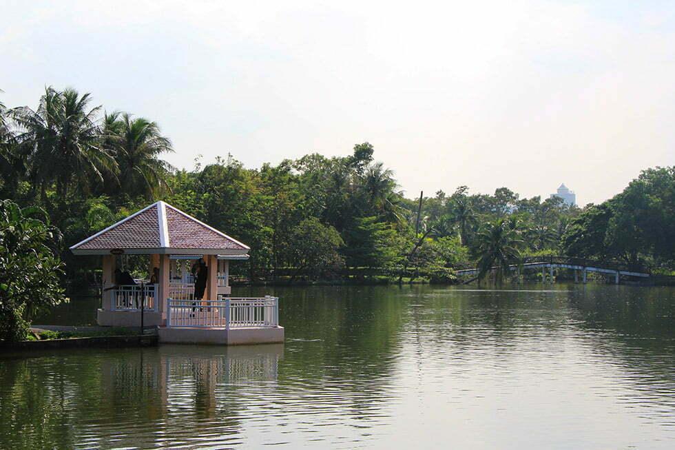 Het Sri Nakhon Khuean Khan Park and Botanical Garden is prachtig aangelegd