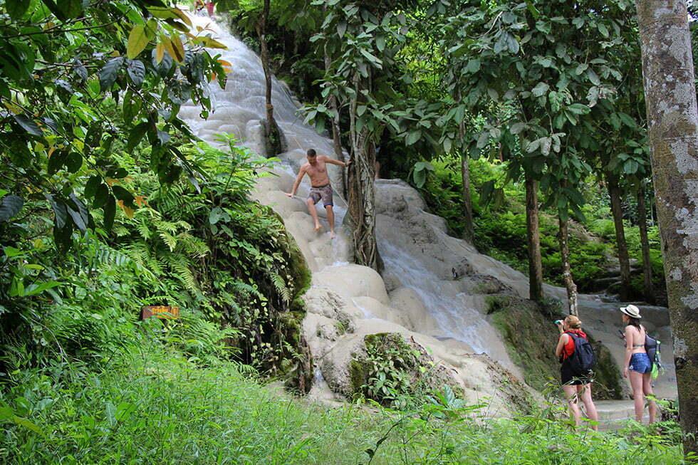 Bua Thong Watervallen in Chiang Mai