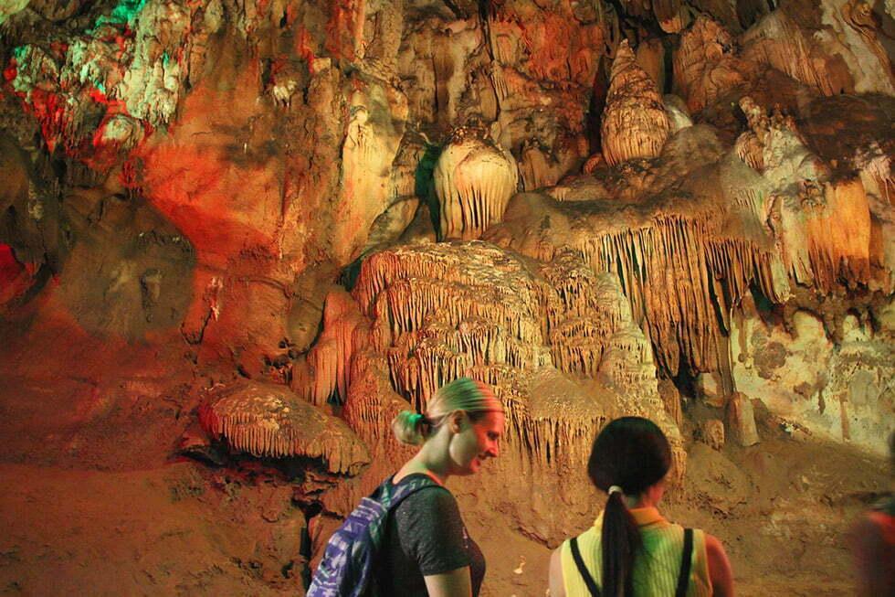 Stalactieten in de Chiang Dao Cave