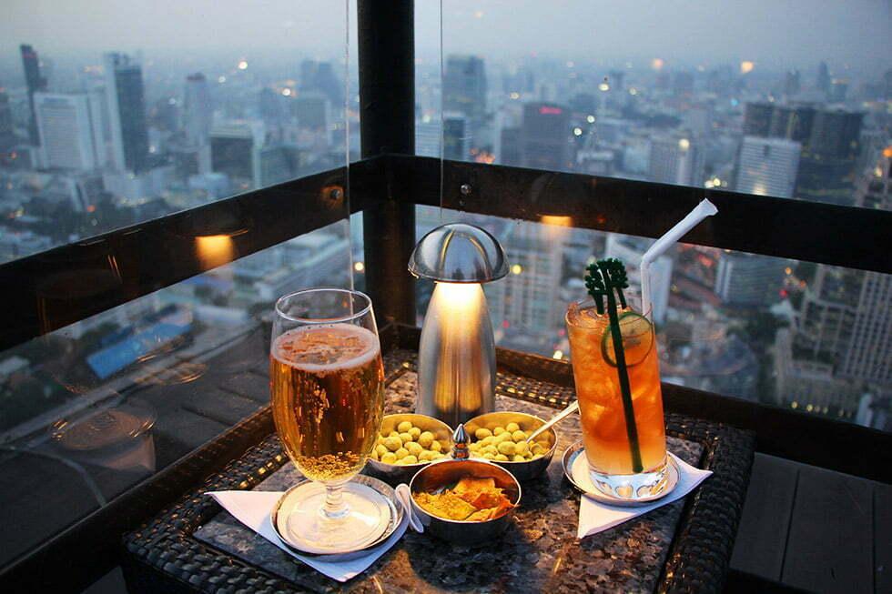 Een heerlijk drankje met een heerlijk uitzicht - Moon Bar