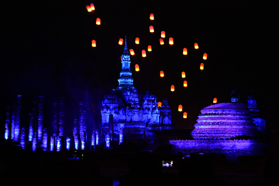 Light and Sound Show tijdens Loy Krathong in Sukhothai