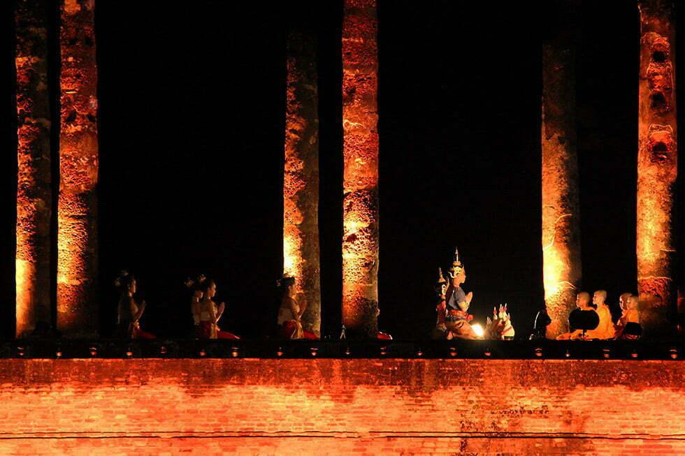 De Wat Mahathat tijdens Loy Krathong in Sukhothai