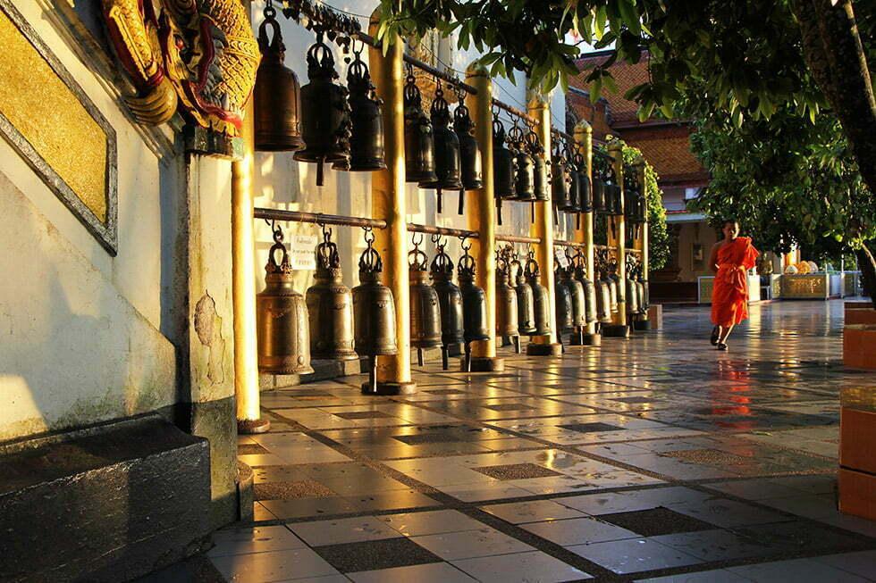 Een monnik bij de Doi Suthep in Chiang Mai