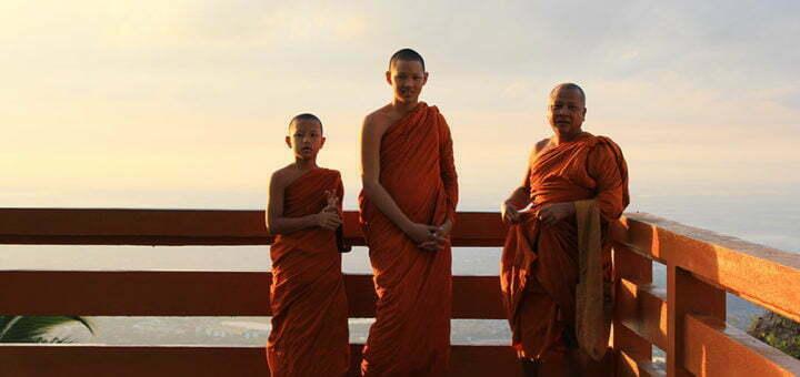 Monniken bij de Doi Suthep in Chiang Mai
