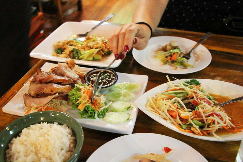 Lekker Thais eten bij Northeast Restaurant in Bangkok