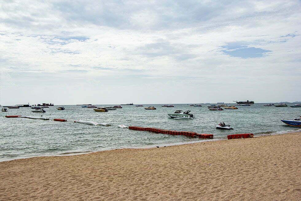 De boten in Pattaya Bay