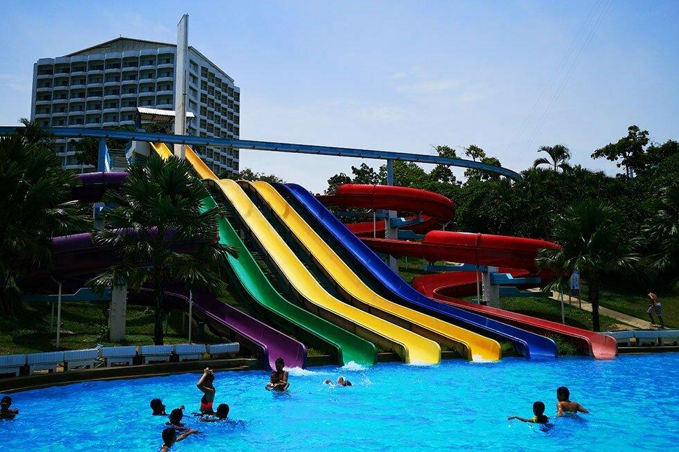 Glijbanen in Pattaya Park