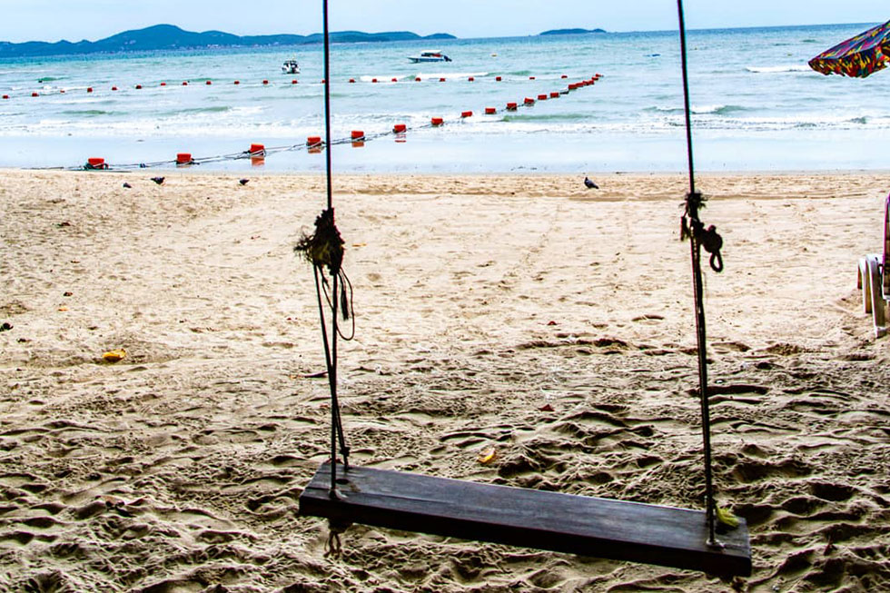 Schommelen op Cosy Beach