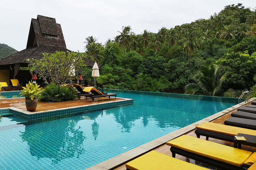 Het zwembad van Ban's Diving Resort