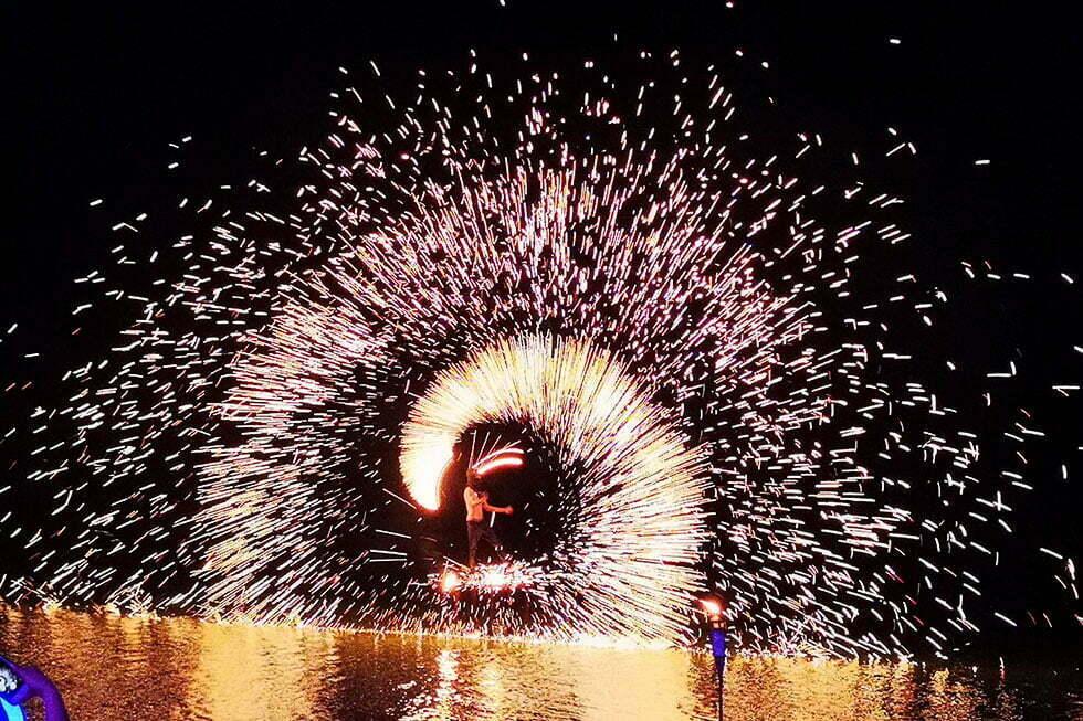 Vuurwerk bij Elephant bar