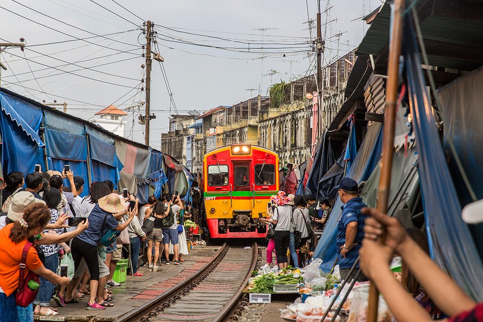 Treinmarkt buiten Bangkok