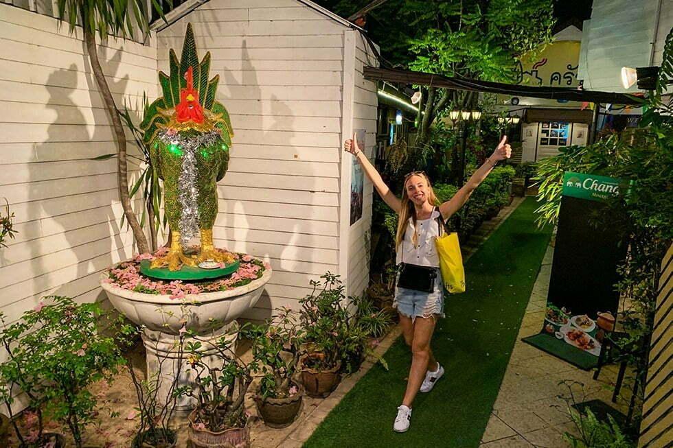 entree the flying chicken bangkok