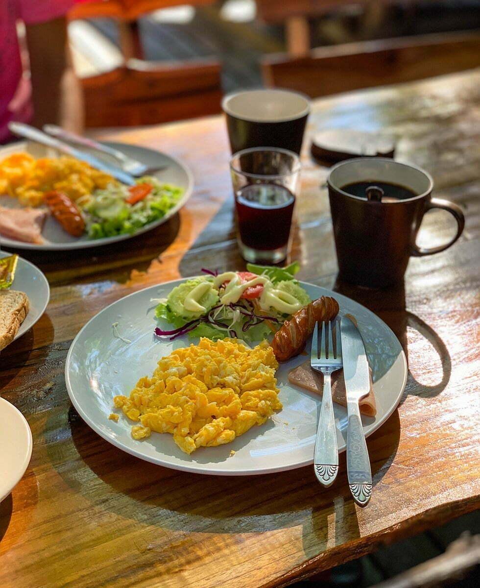 Ontbijten Treehouse Resort