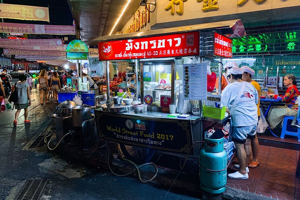 Mung Korn Khao Noodle - Streetfood in Chinatown, Bangkok