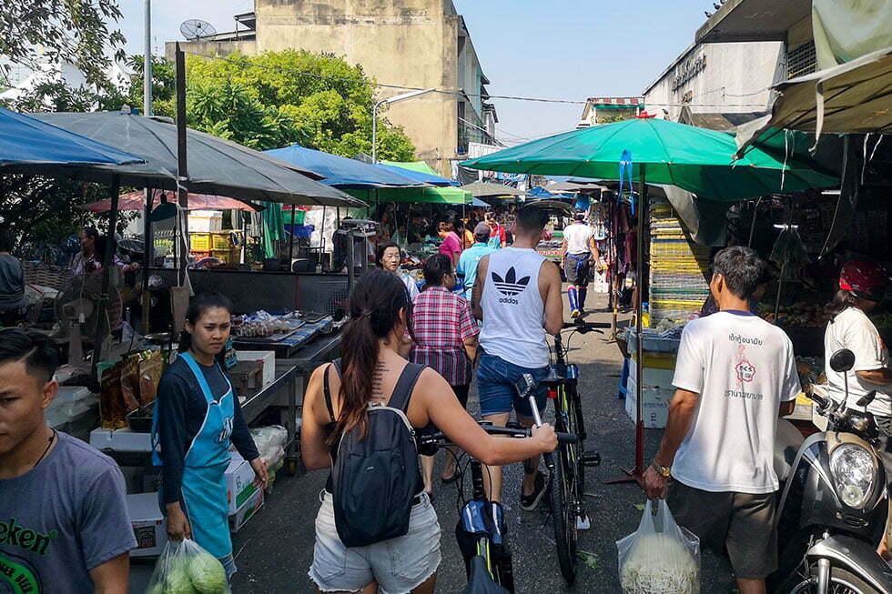 Markt tijdens fietstour Bangkok