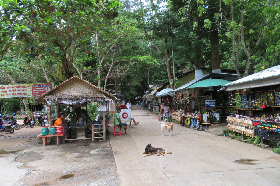 Winkeltjes bij Namuang 1